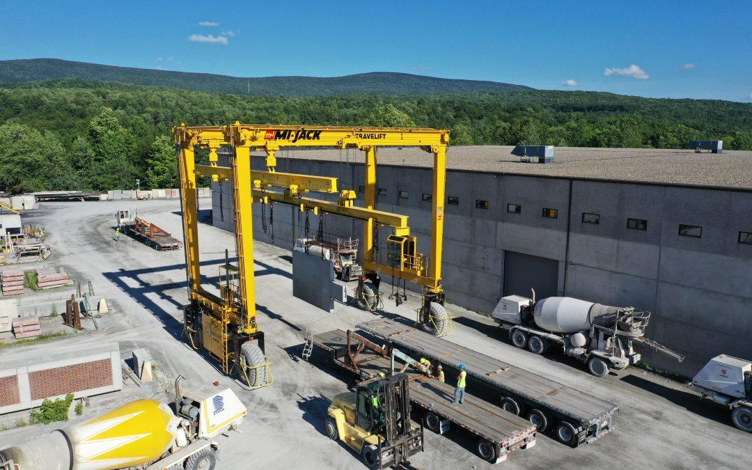 New Mi-Jack Travelift Crane Adds Efficiency & Safety